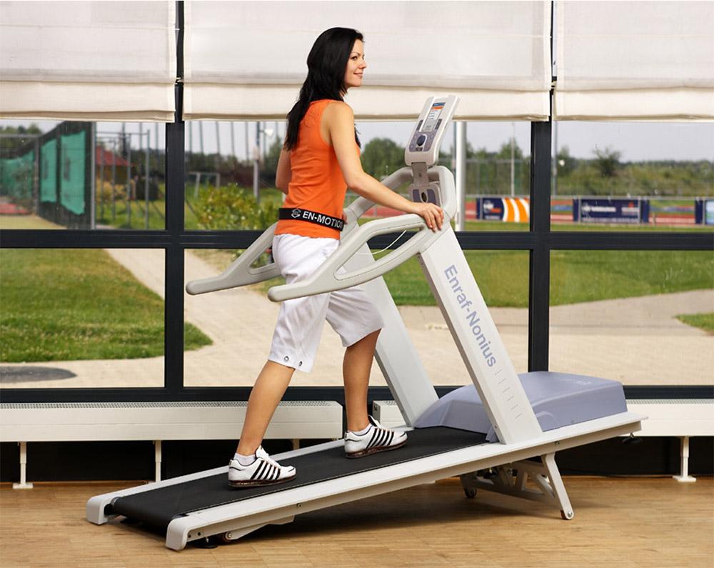 EN-Motion Laufband mit Steigung